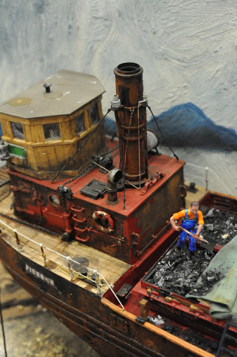 Model-Coal-Carrying-Ship