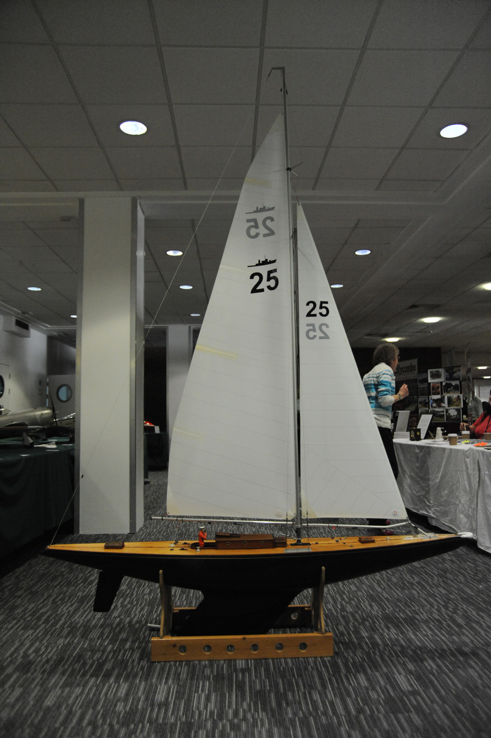Model-Yacht